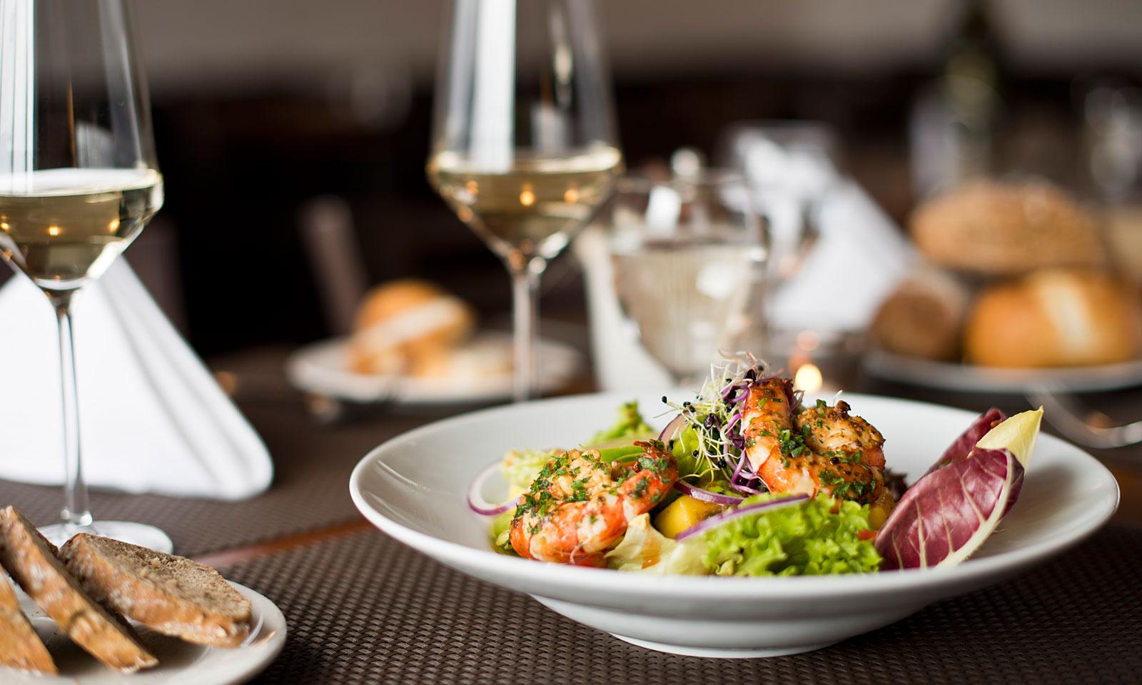 Conoce los gustos de tus comensales empleando wifi para restaurantes